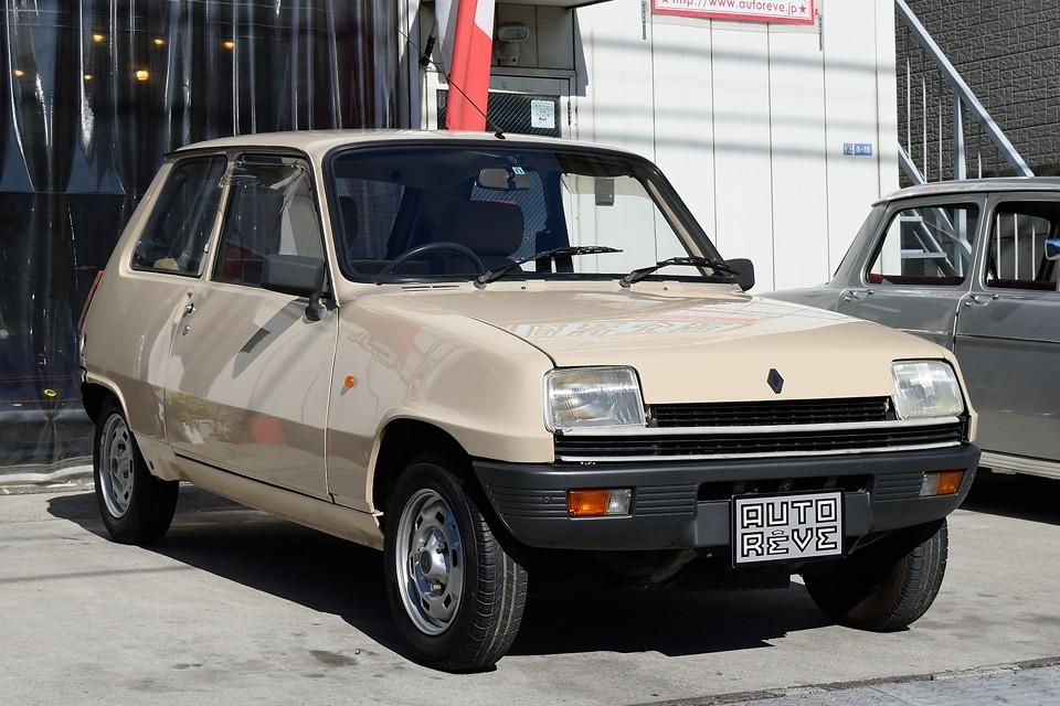 1983(昭和58)年式ルノーサンクAutomatic!な、なんとチョ〜めずらの右ハンドルのAT車!