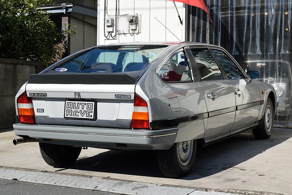 右ハンドルの並行車ですが、それを差し引いても、タップリあまりのあるコンディション!