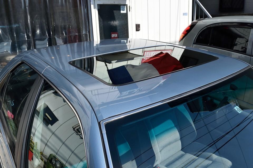 もちろんルーフだってご覧の通り!SRI-EXは電動サンルーフを装備!当然雨漏りもありません!