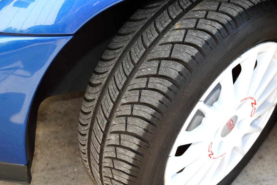 タイヤも7分山というところでしょうか。当分交換の必要はなさそうです。