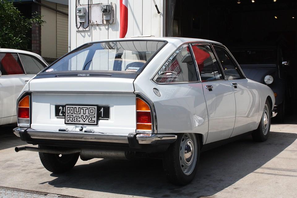 フランスより直輸入の国内未登録車ですので新規登録3年車検となります!