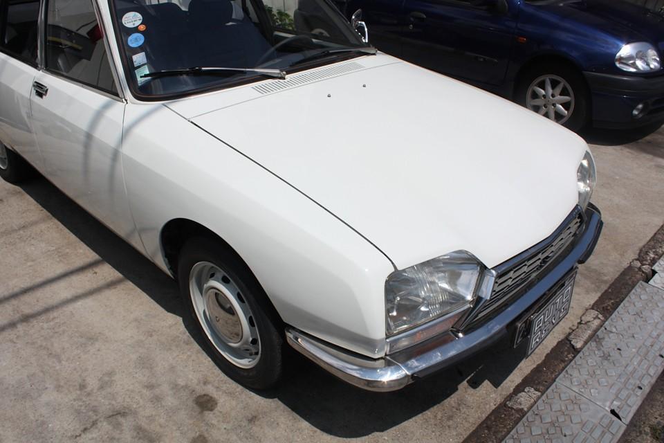塗装もご覧の通り、かなり良い状態です。 クリア塗装の劣化で、「洗車すると雑巾が白くなる〜!」(笑)なんてことはありません!