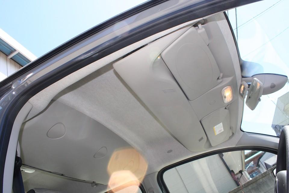 比較的汚れの目立ちやすい白っぽい天井ですが、ご覧の通り!
