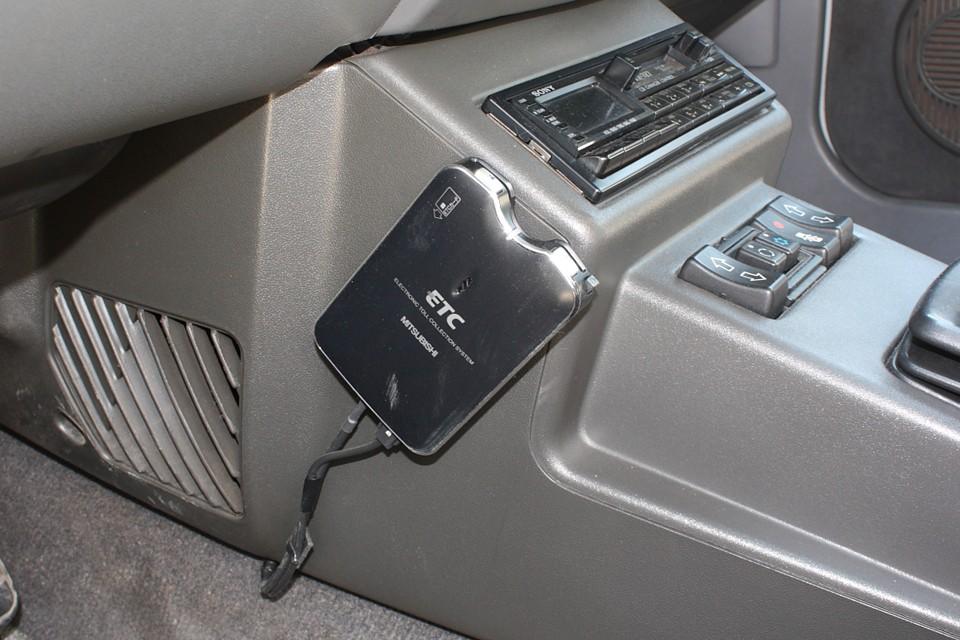 左ハンドル車にはもはや必須!ETCももちろん装備!