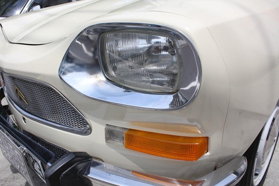 ヘッドライト、ウィンカーともに、とってもクリアー!現在、ホワイトバルブですが、ご希望でしたらイエローバルブへの交換はサービスします!