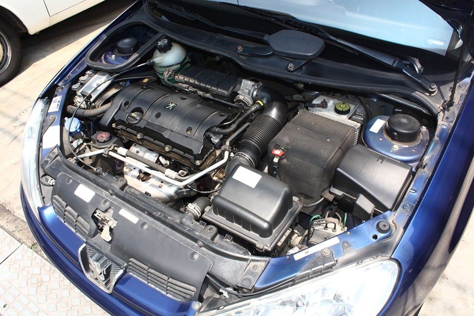 定評のあるプジョー製1.6Lエンジン!低回転からトルクタップリでとても扱いやすいエンジンです!