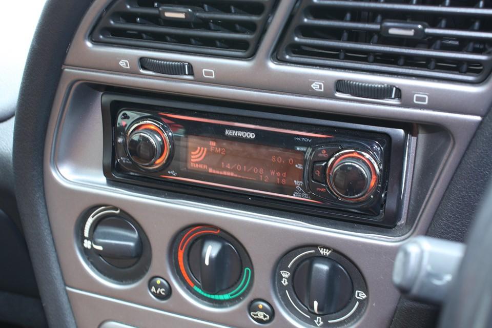 KENWOOD製のMP3対応オーディオ付き!オレンジイルミはメーター照明とも合ってます!←こ〜ゆ〜とこ大事!