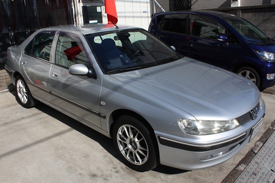 1996年から2004年の8年間もの長い間製造された406!