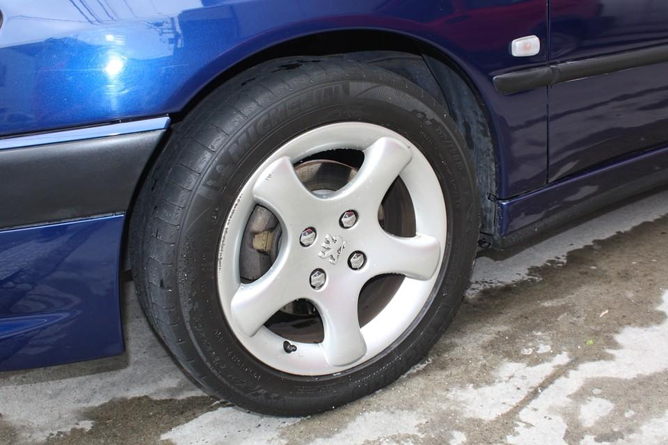 う〜ん、タイヤがそろそろ交換時期…ええ〜い、タイヤもミシュラン4本サービスしちゃいます〜! ホントに良いの?社長〜!タイベル、タイヤもサービスなんて!太っ腹過ぎやしませんか?っと。