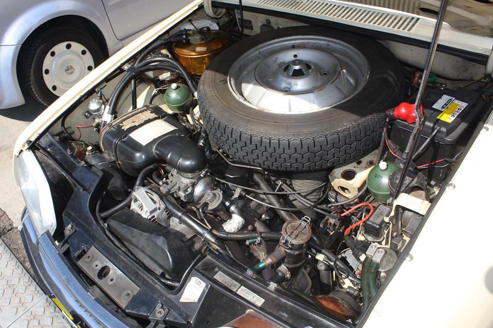 かなり小まめにメンテされてきた印象のエンジンですね。エンジンはもちろんハイドロも絶好調!