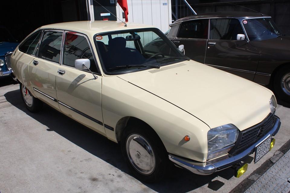 旧車は経てきた時間により個々それぞれに状態は違います。何より大事なのは、一目みた時のたたずまい!