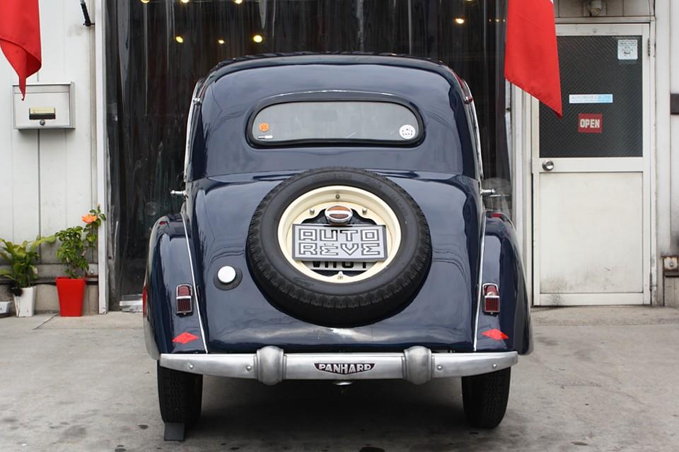 ルノーやシトロエン同様、これだけの革新性を持ったフランス車があった事を知っていただければと・・・。