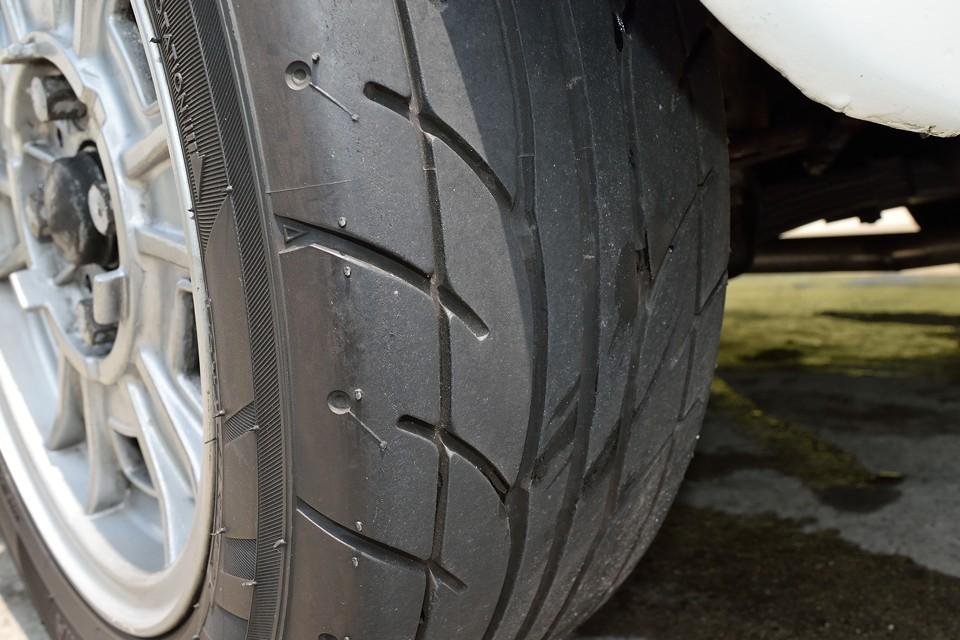 しかもタイヤはバリ溝の9分山!これ、かなりポイント高し!
