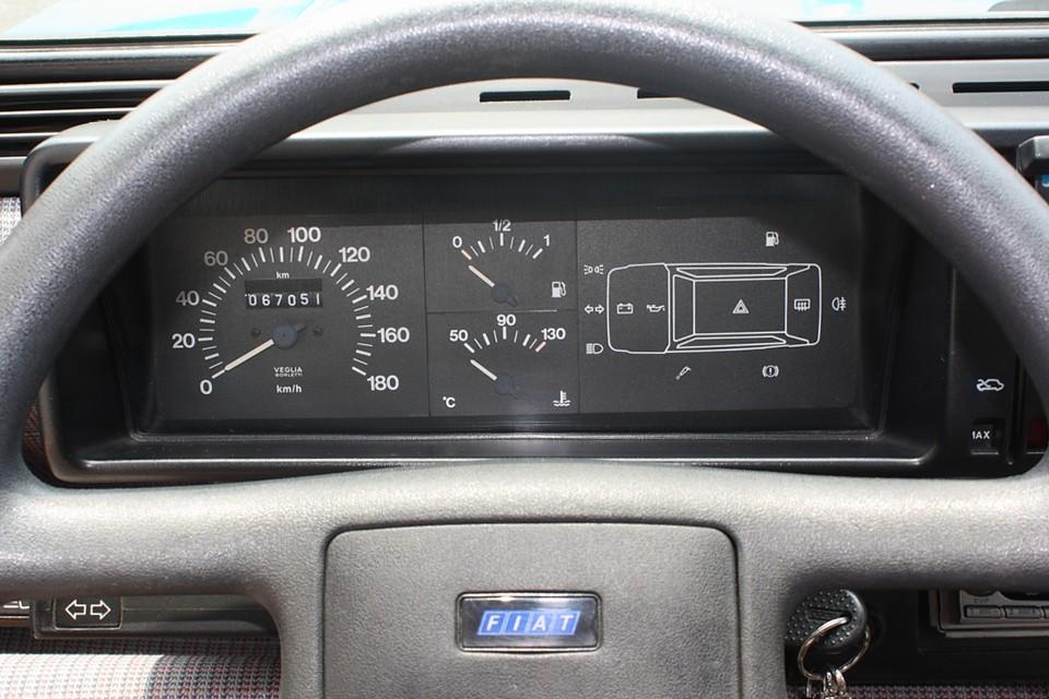 実走行6.7万Km!気になるタイミングベルトは平成22年10月、5.0万Km時に交換歴あり! って言う事は当分、安心ですね。