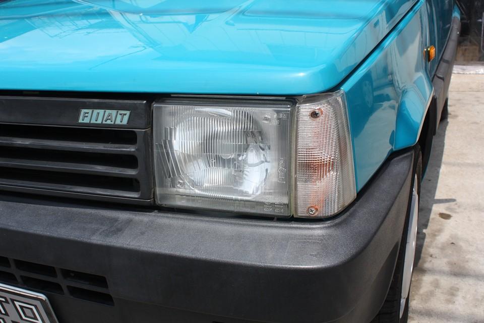 ヘッドライトにくもりや劣化はありません!樹脂バンパーも比較的良い状態です。