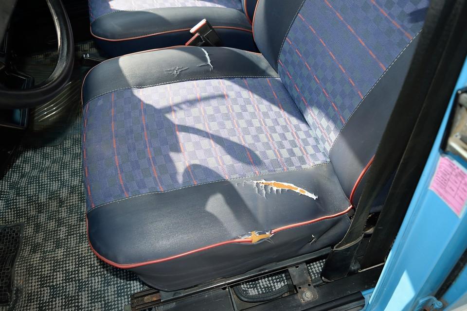 シートカバー、もしくは座布団は必須でしょうか・・・。