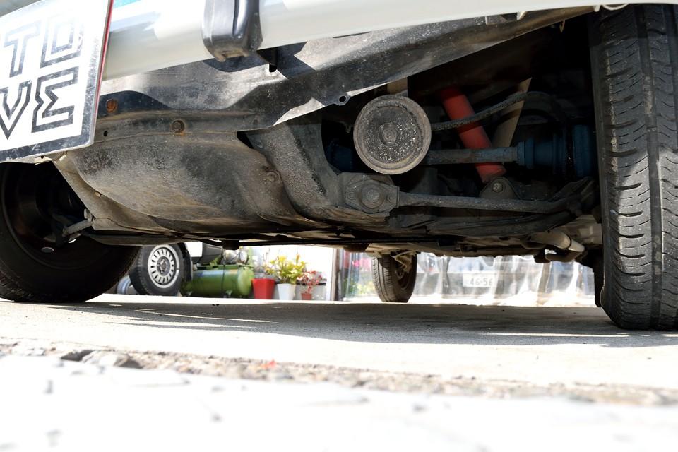 エンジン下面です。 乾いてる! スゴイ! 以上!(笑)