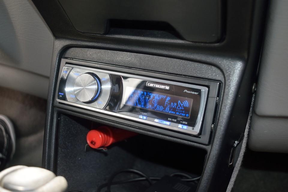 オーディオはカロッツェリアDEH-P630を装備!CDの他にiPod接続も可!
