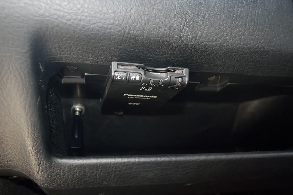 ETCももちろん装備!左ハンドル車にはもはや必須なのです。