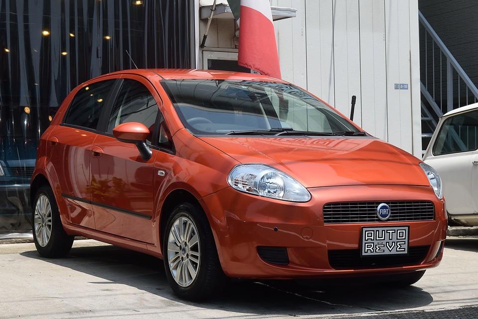 2007年3月、フィアット グランデプント 1.4デュアロジック メガ!まるでオレンジ色のスニーカー!さぁ、出掛けよう!