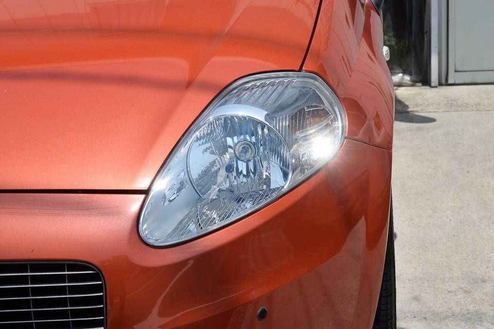 ティアドロップ型のヘッドライトはとってもクリア~!やっぱ生きの良さは目を見れば・・・魚かっ!