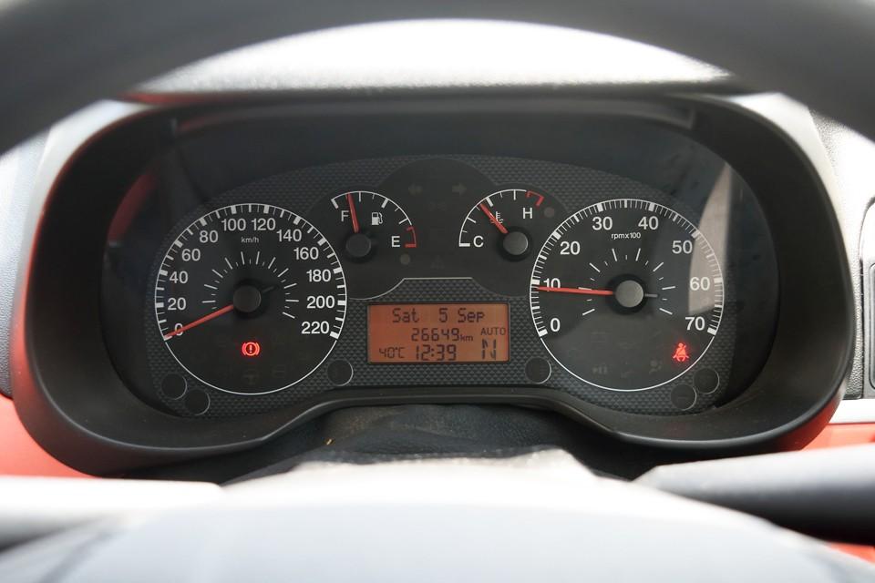 実走行2.7万km!内外装、機関ともに程度上も納得!この走行距離ですから当然と言えば当然。 車検も取り立てなので諸費用お安め、乗り出し価格で比べてくださ~い!