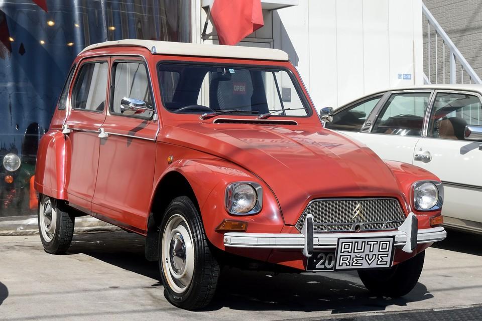 1973(昭和48)年式 シトロエン・ディアーヌ6!希少な右ハンドル!2CVが立派な成人になりました!的な・・・。