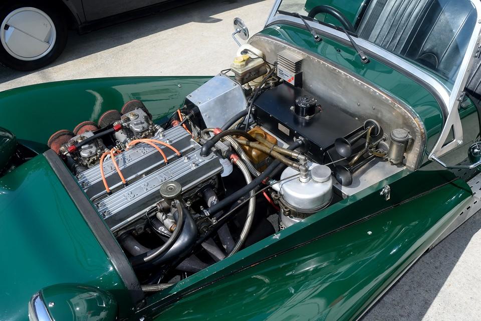 ボディ同様、スッキリとまとまった感のあるエンジン!これだけ手を入れてあるからこそのまとまり感だと思います。