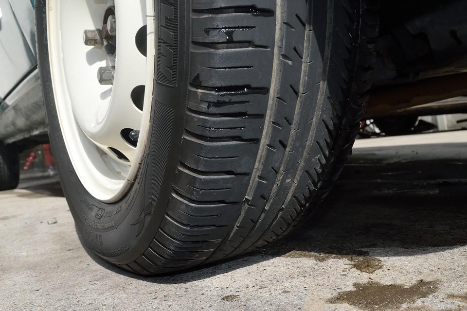 タイヤも7分山というところでしょうか。当分交換の必要はないですね!