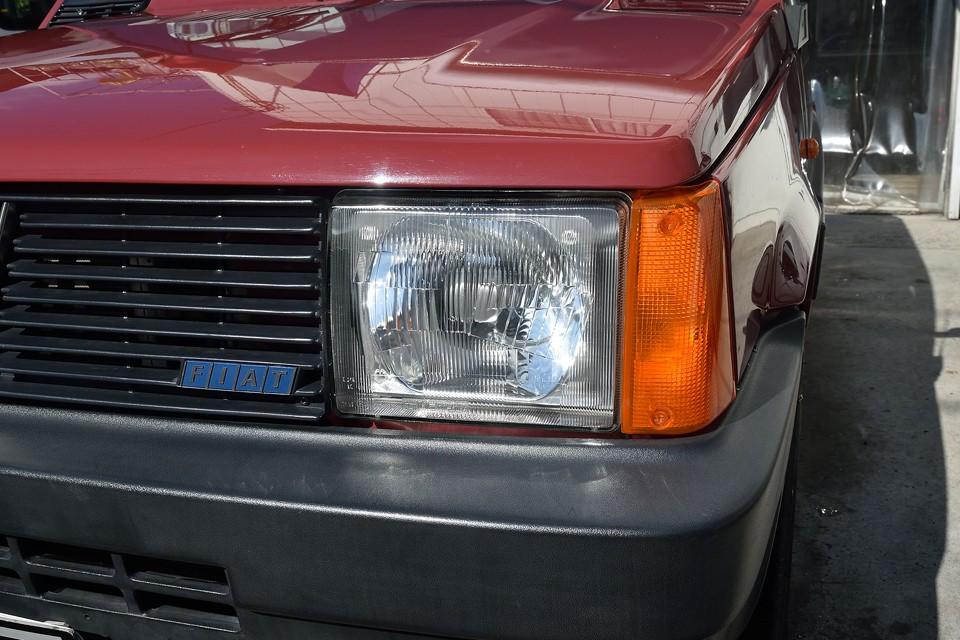 ヘッドライト、レンズ類もクリア~!ちなみに樹脂のバンパーは水洗いしただけで、まだ樹脂コートも何もしてなくて、この状態です。←ココ驚くとこですよぉ。