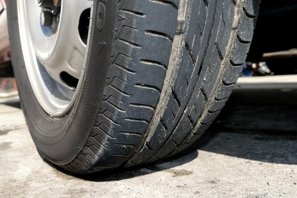 タイヤは7分山というところでしょうか。まだまだ大丈夫ですね。