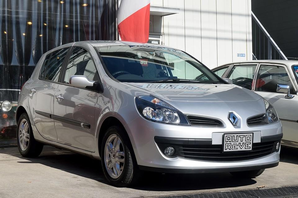 2006(平成18)年式 ルノールーテシアeLe、ヨーロッパカーオブザイヤーを獲得したルーテシア最上位グレードのeLe!悪いわけがないのです!