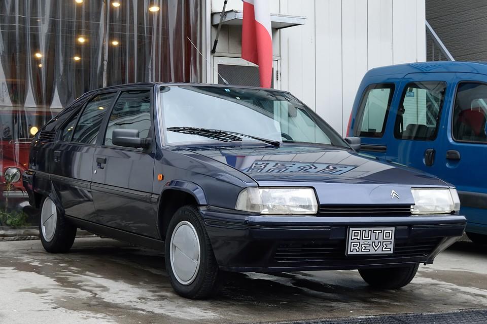 1990(平成2)年式 シトロエンBX16TZS!これが正真正銘、最終1.6Lのキャブ車!しかも左ハンドルのMT!つまりは、今買えるBXとしては現実度120%のチョ~お悩み物件(笑)なのです~!