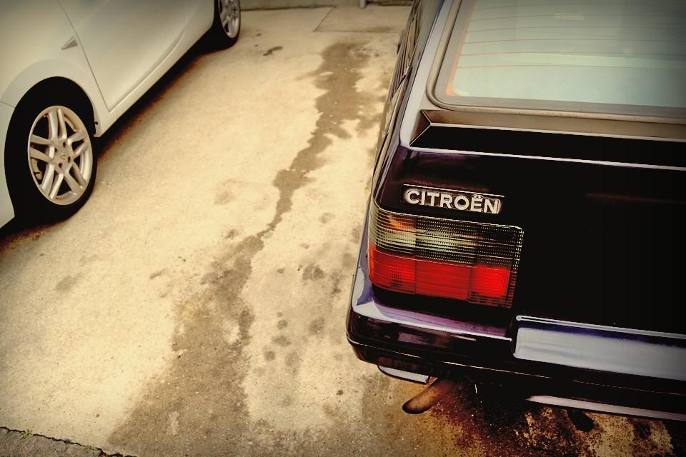それが80年代車の宿命でもある樹脂素材の劣化や、ハイドロ車という革新性ゆえの信頼性の低下が、26年を経過し、輝きを失いかけているのが現実・・・。
