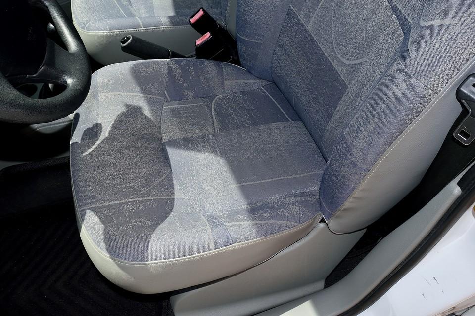 ビニール素材だからって、決してガサガサしておりませんので念のため。布シート同様、モッチモチの柔らかシートなのです~!