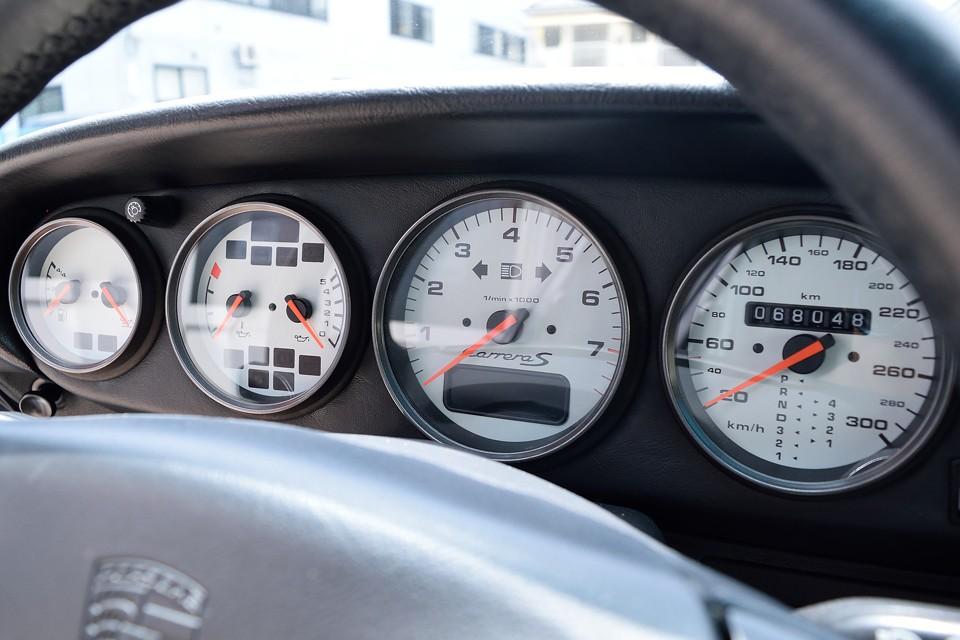 実走行6.8万km!タイミングベルトもありませんので安心!前回の車検時にエンジン下ろしてのオイルにじみ対策(ガスケット一式交換)実施済なので、現在はこの上なく快調!