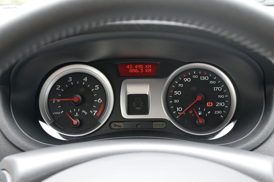 実走行4.4万km!ヨーロッパなんかではこういった実用車は20~30万kmくらい平気で使われますから、まだまだこれからが本番!