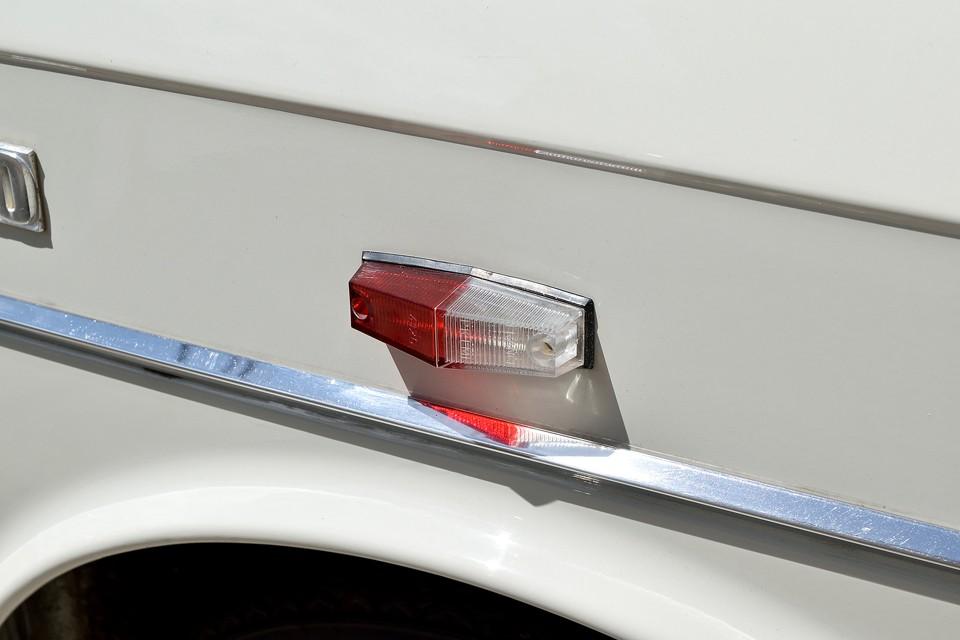 変な表現ですが、他に言いようがないので言います・・・「美味しそうな駐車灯!」(笑)