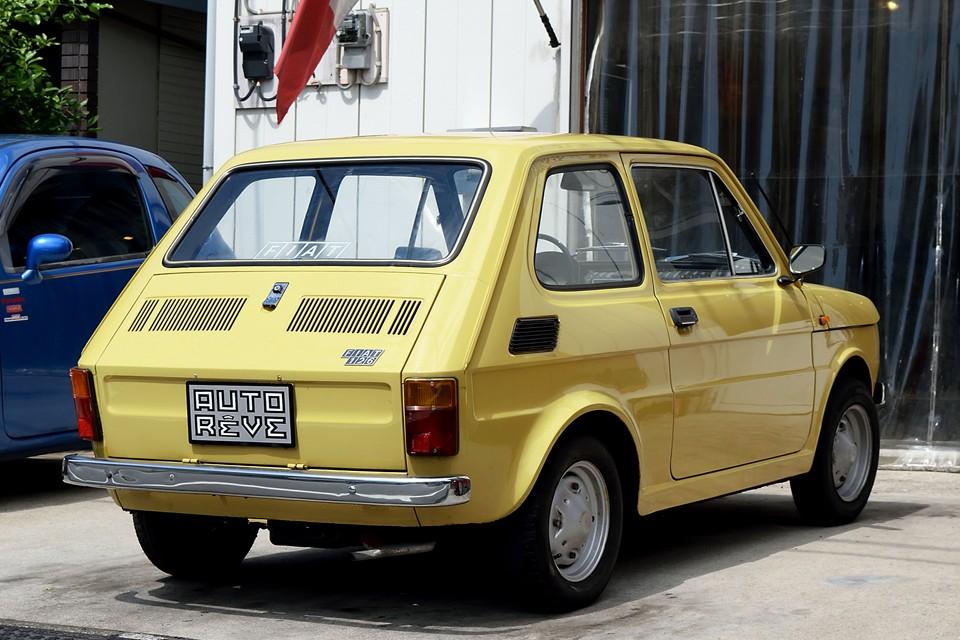 軽登録出来るポーランド製126の維持費の安さも魅力的ですが、姿かたち、たたずまい、インテリアは、やはりこのイタリア製600ccモデルが一番!