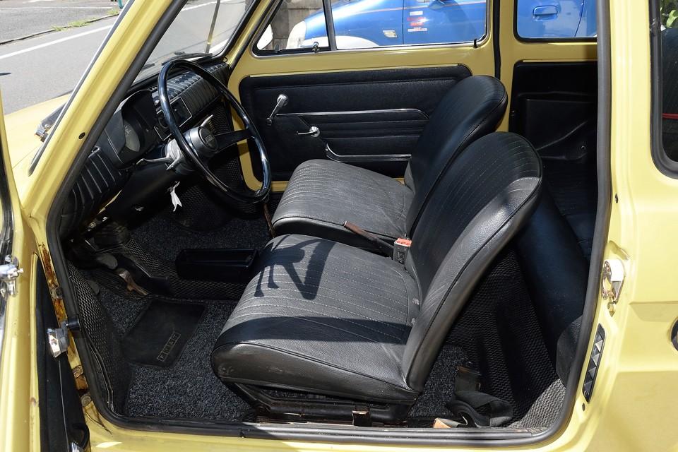 シートは子供用というわけだはありません。ちゃんと大人も座れますのでご安心を!