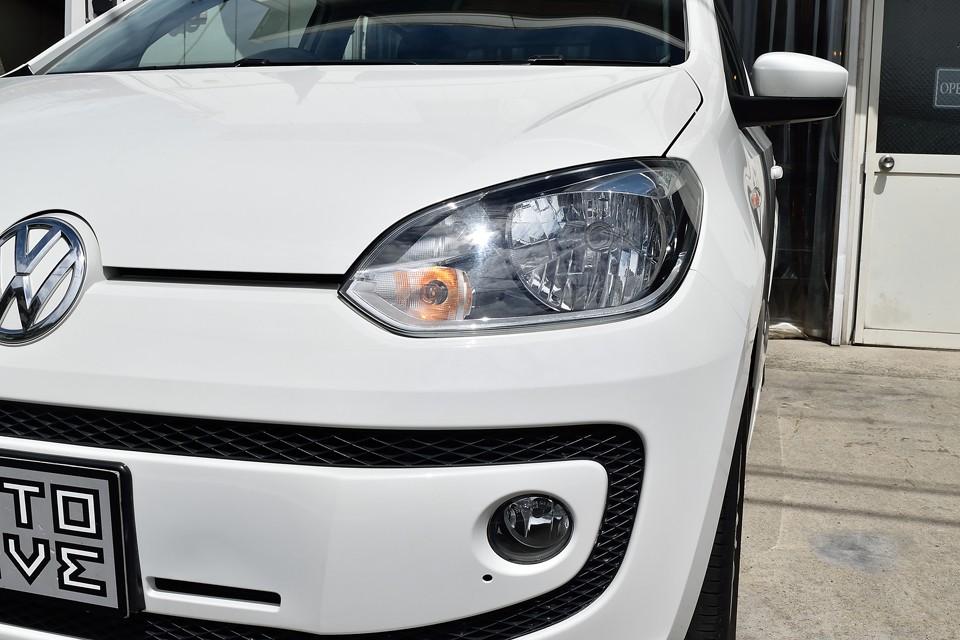 ヘッドライト、フォグランプも、くもりは無くとってもクリア~!2013年車ですから当然と言えば当然ですね。
