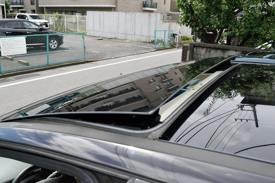 ポップアップ機能付きなので、その昔にあった三角窓同様、換気は一発!さぁ、新鮮な空気でリフレッシュ!