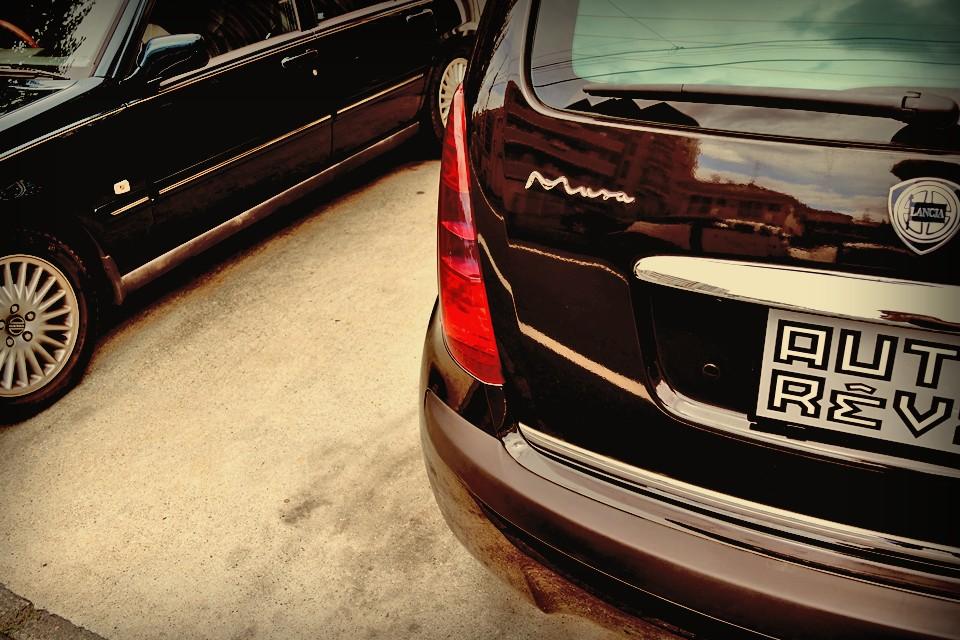質の高いものに囲まれている感覚は、一般的に高級とされる巨大な高額車両のそれと、何ら変わるものではなく・・・。