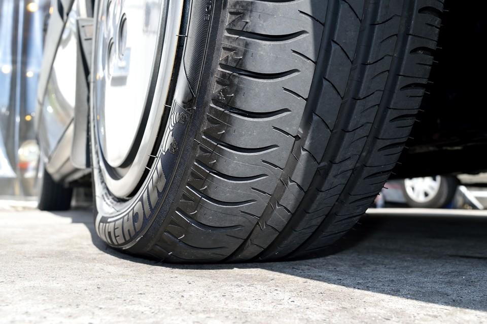 タイヤはもちろんミシュラン!それほど古くないので、このままご使用いただけます。残溝も8分山ありますので当分交換の必要はなさそうですね。