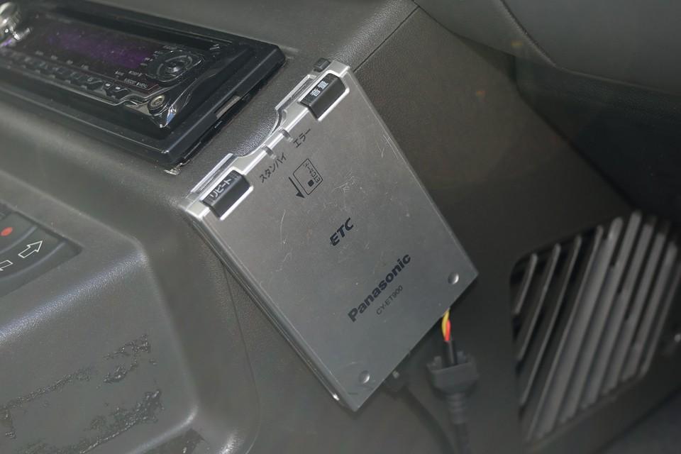 ETCももちろん装備!左ハンドル車にはもはや必須ですよね。