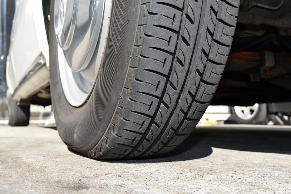 タイヤも8分山というところでしょうか。残溝タップリで当分交換の必要はなさそうですね。