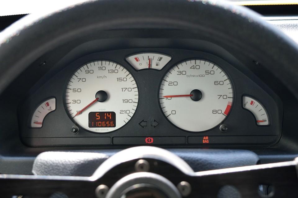 実走行11.1万km。気になるタイミングベルトは平成26年3月、81,229km時にウォーターポンプ、テンショナーも合わせて一式交換歴あり!それから記録は有りませんが、先日、クラッチも交換済(オーナー様談)との事、メッチャ安心でしょ。