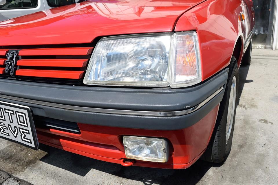 ヘッドライト、ウインカーともに平成28年9月に弊社にて新品交換しましたので、ご覧の輝き!
