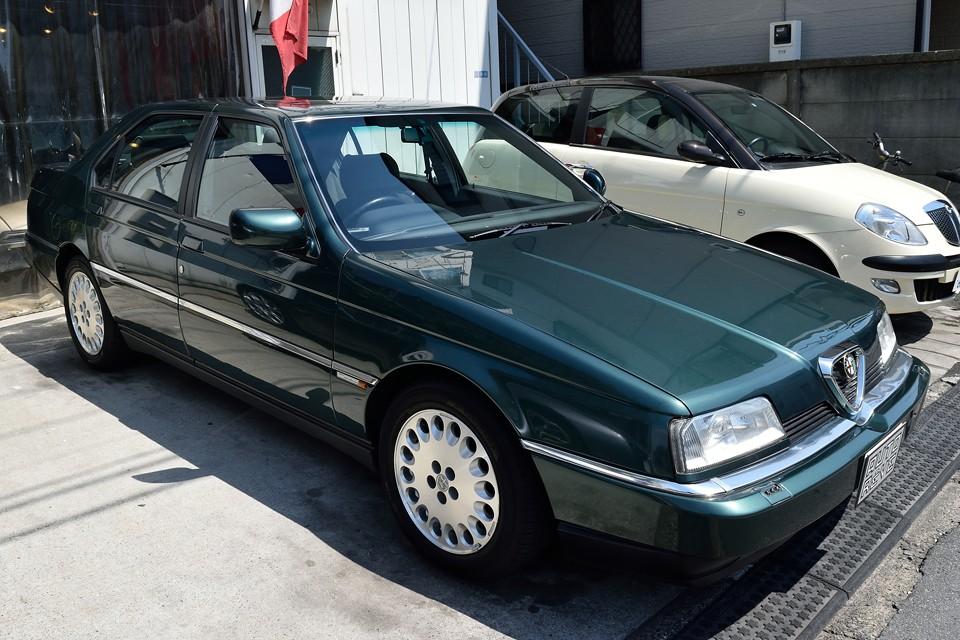 アルファロメオが経営難に陥っていた時代に設計され、フィアットに買収された1986年の翌年に発表された164・・・。