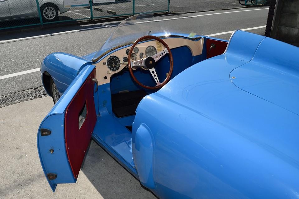 振り返ってみれば、ジャン・レデレにより、1956年に4CVをベースにA106を造ったことから、アルピーヌの歴史はスタートしたわけだし・・・。